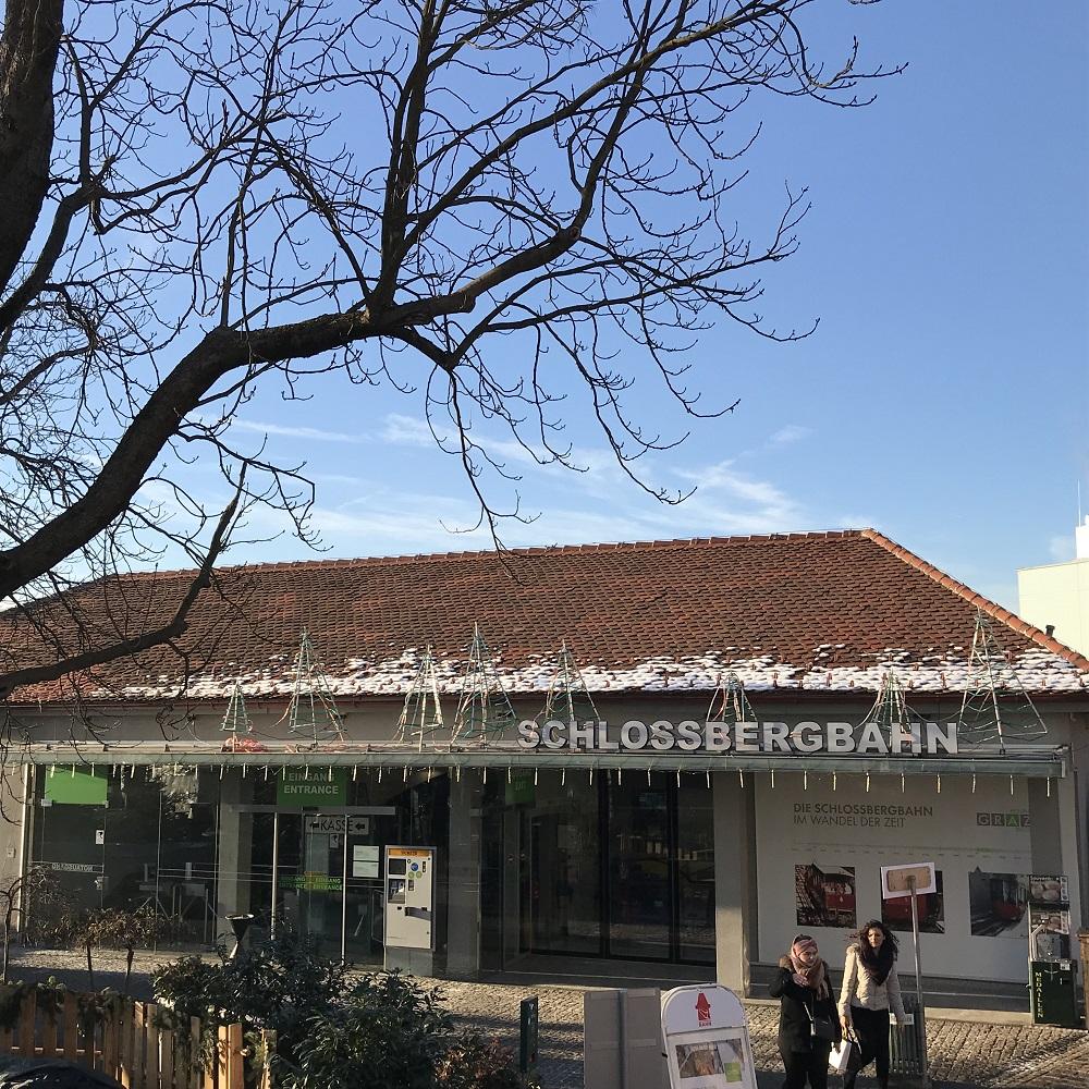 Bergstation der Schlossbergbahn