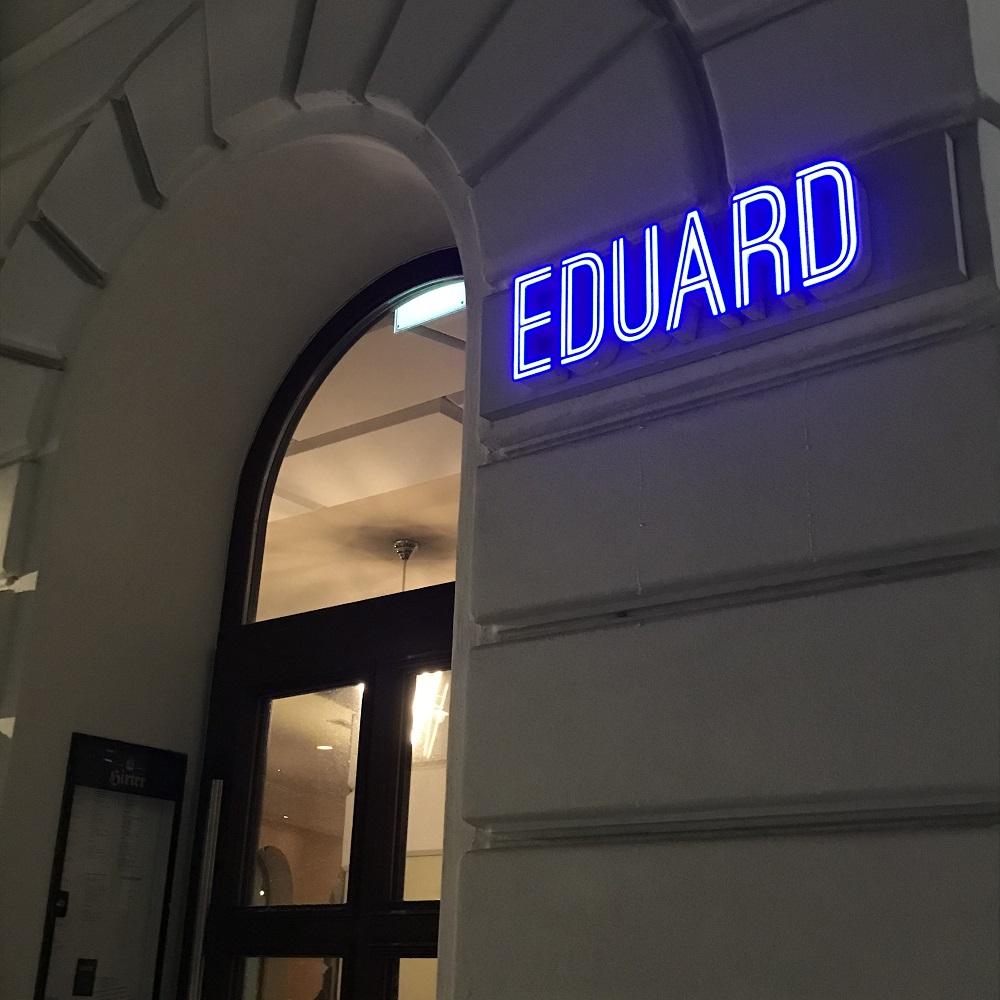 Das Eduard! CafeIBarIRestaurant am Sparkassaplatz 1150 Wien.