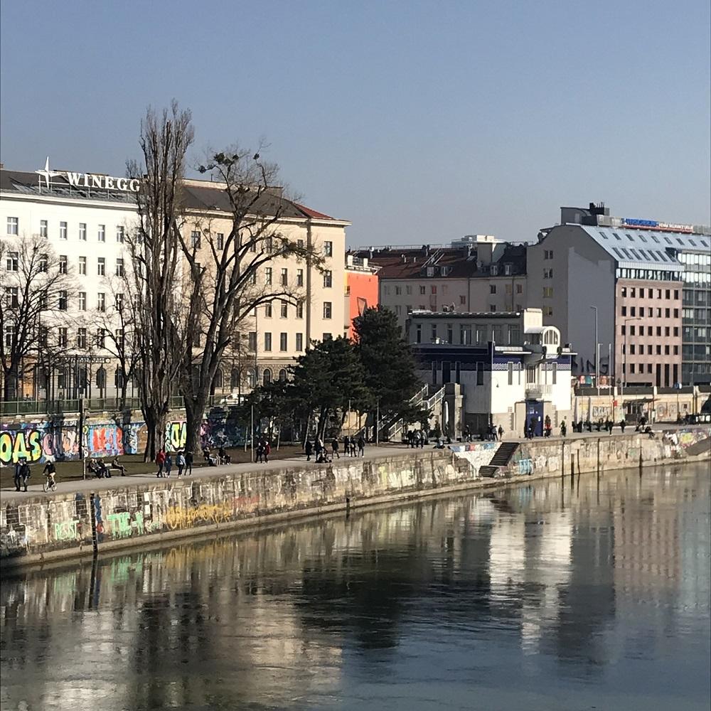 Blick von der Augartenbrücke auf den Donaukanal