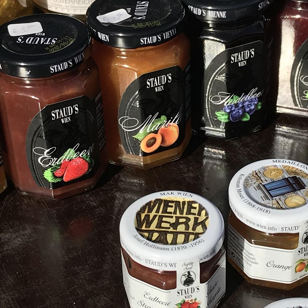 Marmeladen und Gemüsekonserven aus Wien