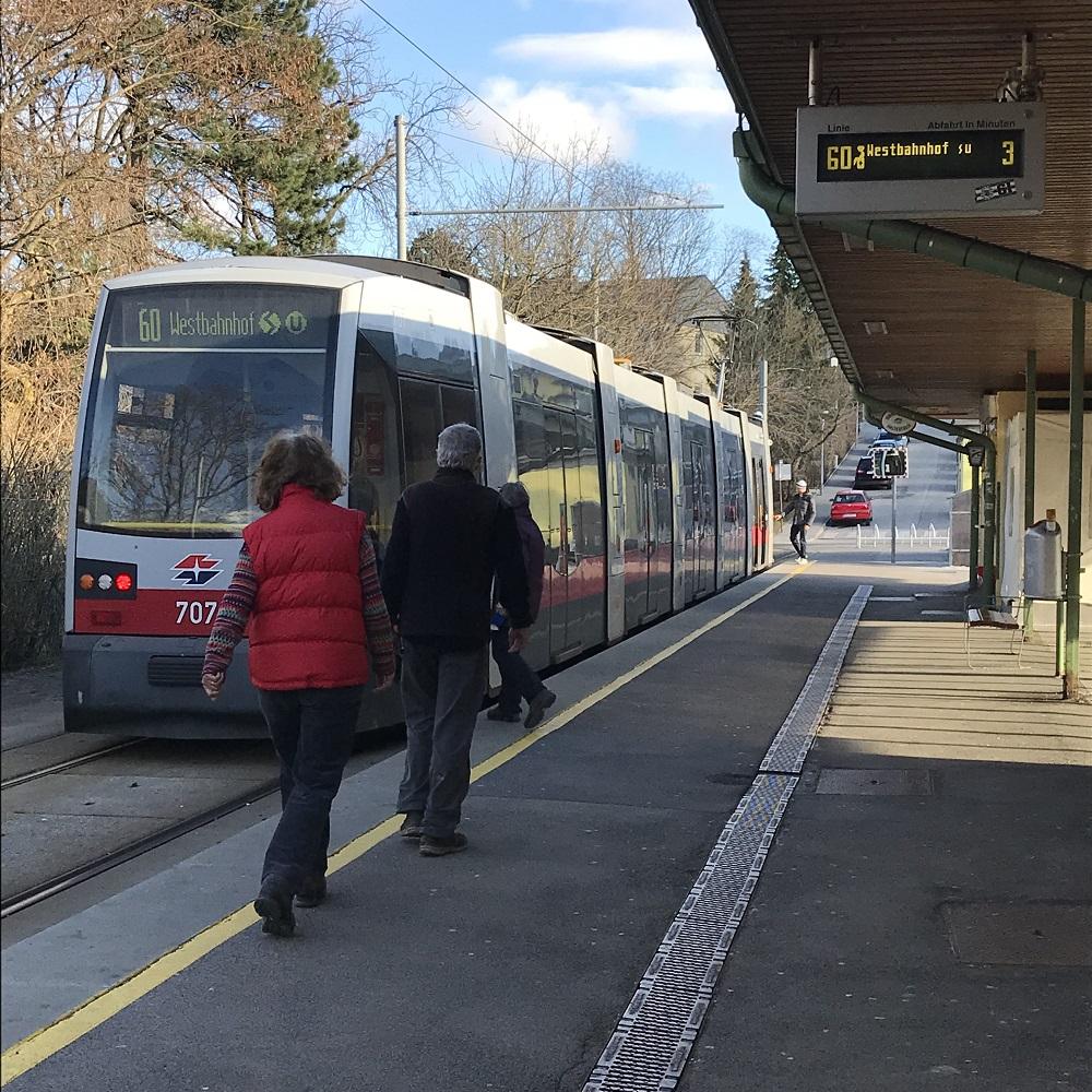Straßenbahn Linie 60 zum Westbahnhof
